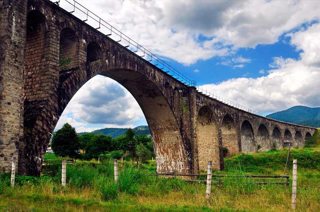 Карпаты - старинный мост